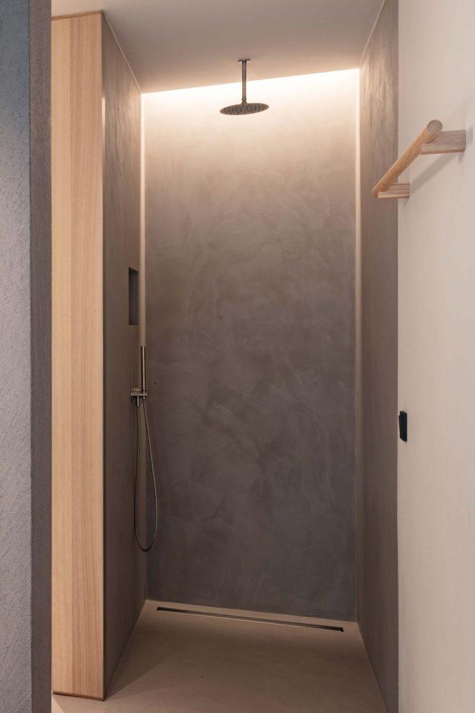 Die dusche der Zimmer im Boutique Hotel Schgaguler in Südtirol