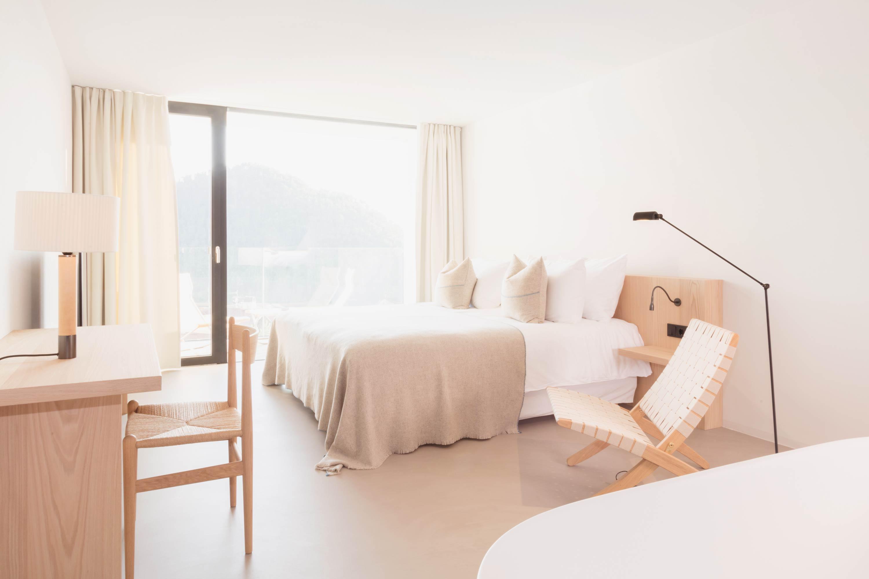 Die Zimmer mit Bergblick im Hotel Schgaguler in den Dolomiten