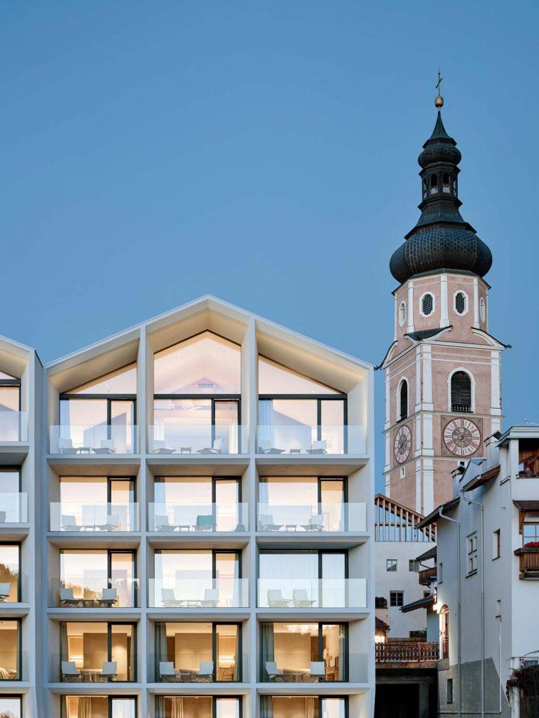 Südfassade des Hotel Schgaguler, Boutique Hotel in Südtirol