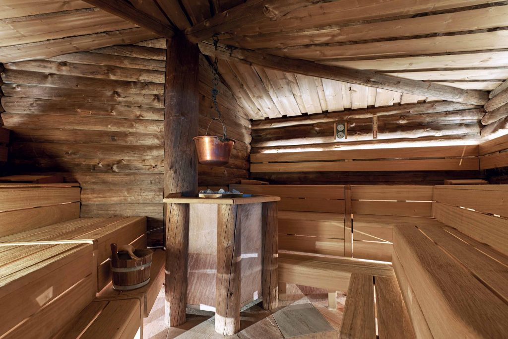 Finnische Kelo Sauna im Schgaguler Hotel in Südtirol